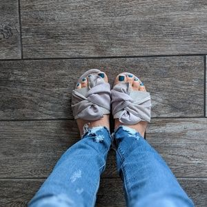 Shoes - Grey Bow Sandals - Lowest